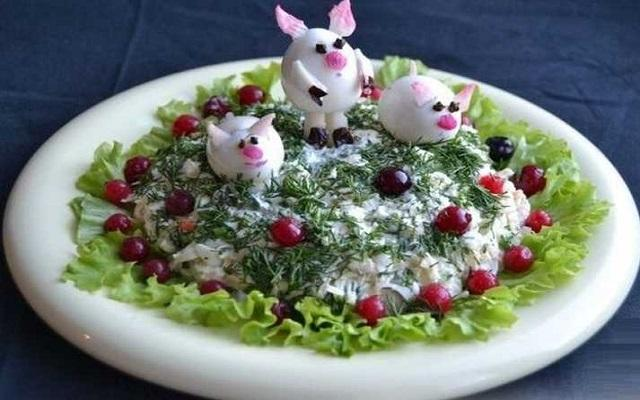 Простой и вкусный салат «Веселые хрюшки»