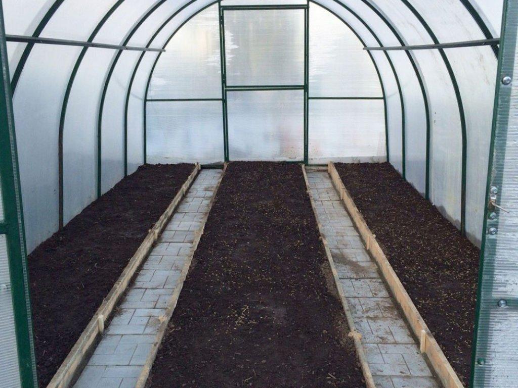 подготовка почвы в теплицы