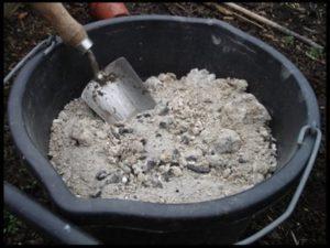 Как правильно подкормить капусту золой, пропорции для обработки