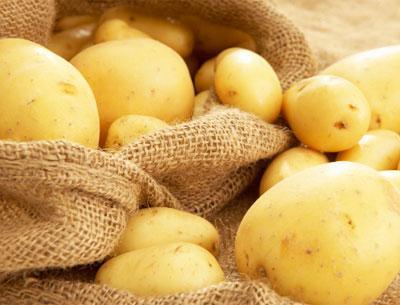 много картошки