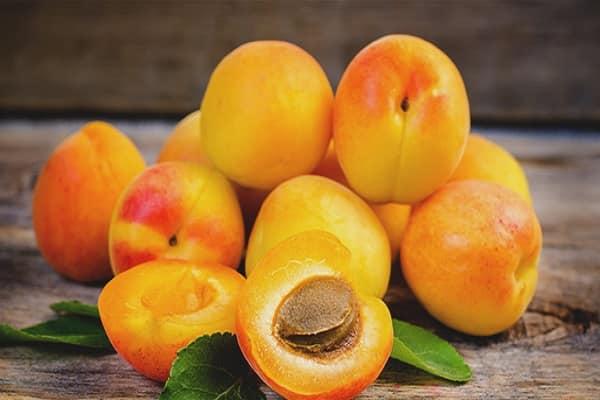 польза и вред абрикос