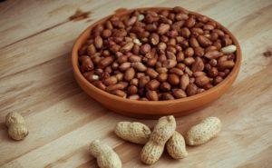 Польза и вред арахиса для организма человека, свойства и противопоказания