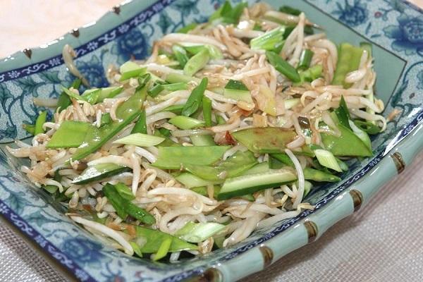 свежий салат с фасоли