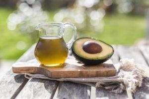 Свойства и правила применения масла из авокадо, польза и вред продукта