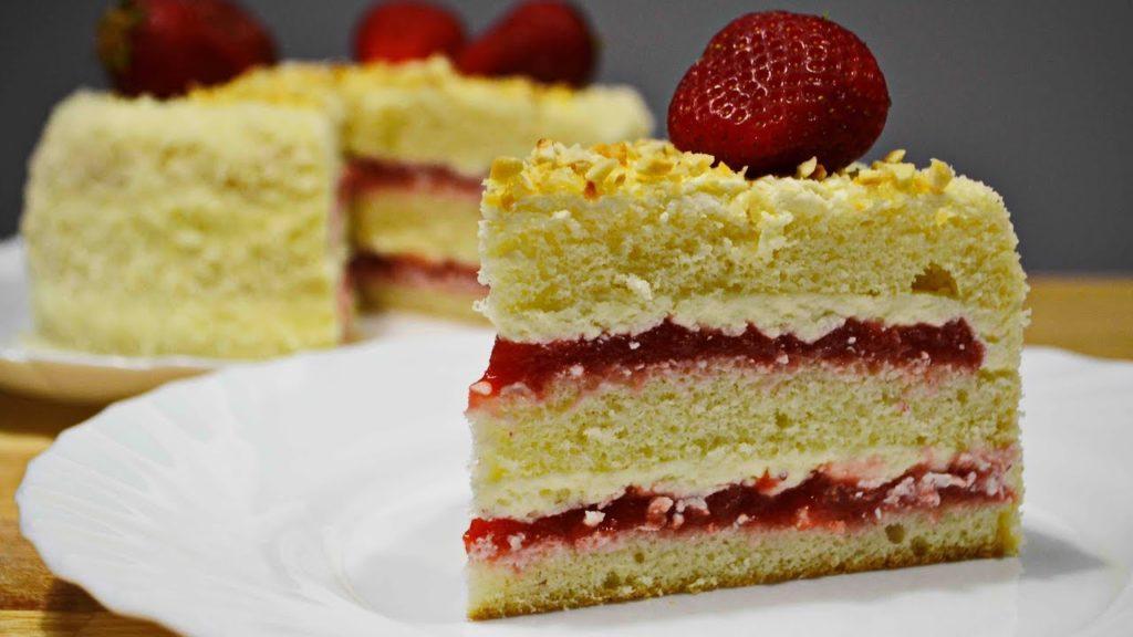 клубника в тортах