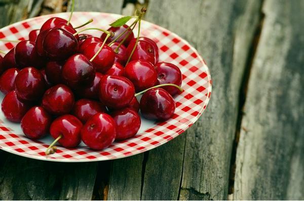 вкусная вишня