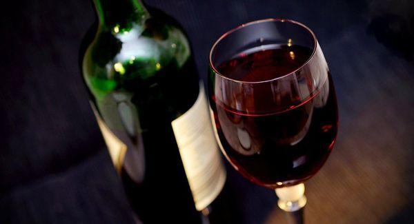 бокал с вином