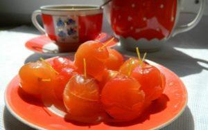 ТОП 6 простых рецептов приготовления прозрачного варенья из райских яблок с хвостиками на зиму