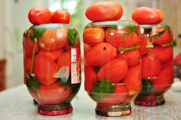 Чесночно-масляные помидоры