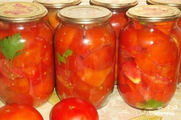 Нарезанные дольками в помидорном соку