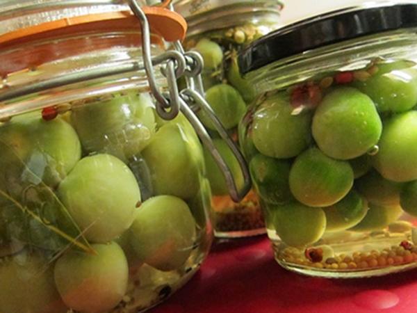 Холодная засолка зеленых помидоров