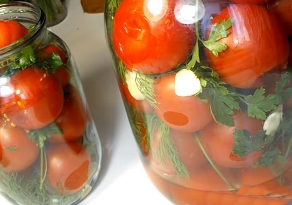 Делаем малосольные помидоры в банке