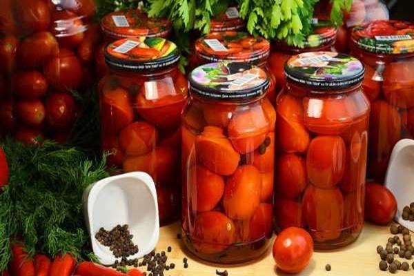 Заготавливаем сладенькие томаты с лимонной кислотой