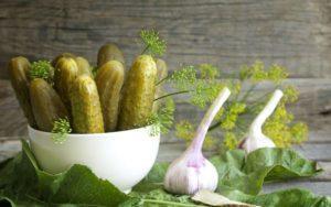 11 лучших рецептов приготовления острых маринованных огурцов на зиму