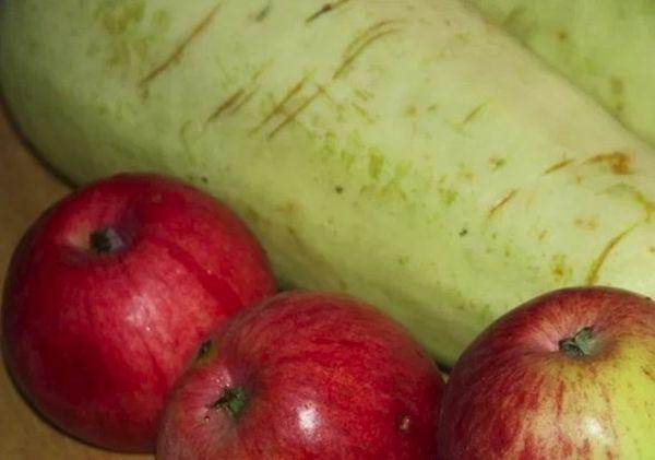 кабачки и яблоки