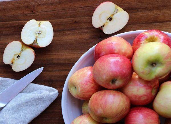 урожай яблоки