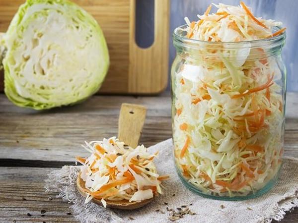 Рецепт очень вкусной капусты на зиму в литровых банках