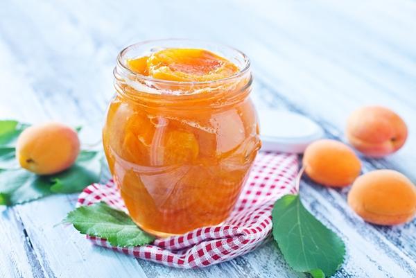 Классический рецепт из целых абрикос