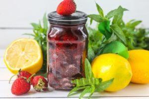 ТОП 12 рецептов приготовления протертой с сахаром клубники на зиму