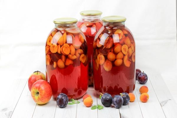 Из абрикосов, слив и яблок без стерилизации