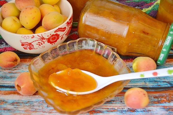 Густое варенье из абрикосов без косточек