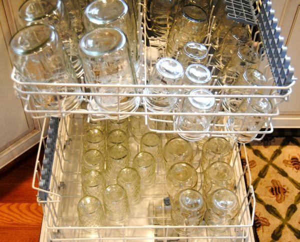 банки в посудомойке