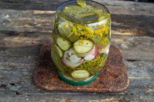 10 лучших рецептов приготовления огурцов с чесноком на зиму