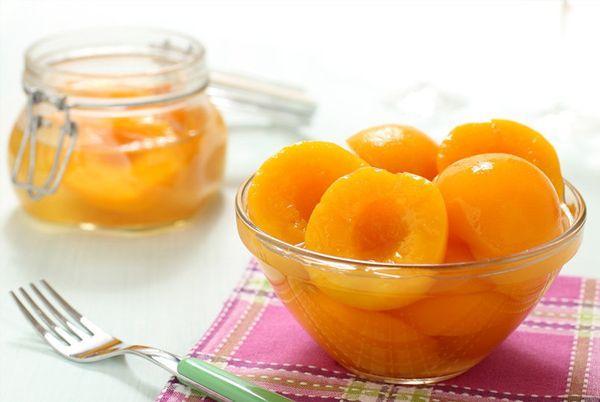 персики дольками