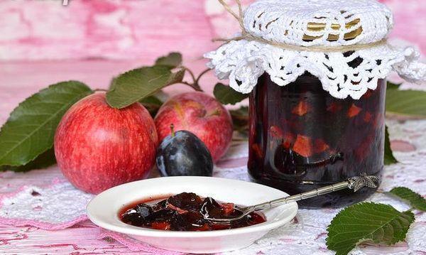 сливы с яблоками
