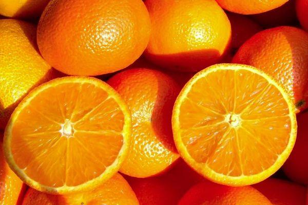 свежие апельсины
