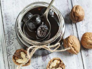 10 лучших рецептов приготовления варенья из грецких орехов на зиму