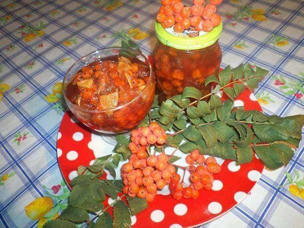 лакомство с апельсином и орехами