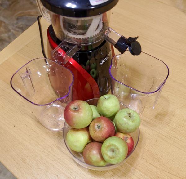 соковыжималка и яблоки