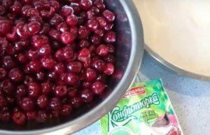 12 простых рецептов приготовления желе из вишни на зиму