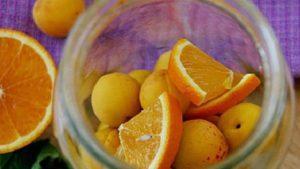 7 лучших рецептов приготовления Фанты из абрикосов и апельсинов на зиму