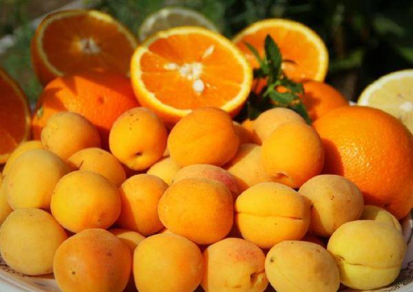 абрикосы и цитрусы