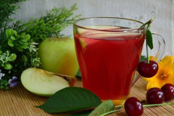 Вишнево-яблочный компот