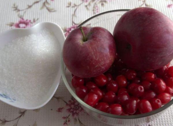 кизил и яблоки