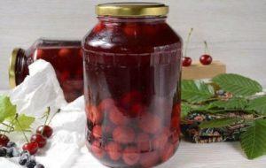 ТОП 4 пошаговых рецепта приготовления компота из вишни и смородины на зиму