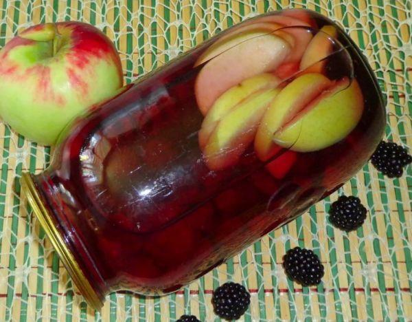 яблоки с ежевикой