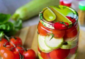 5 лучших рецептов приготовления маринованных кабачков с помидорами на зиму