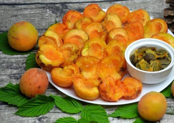 дольки абрикос