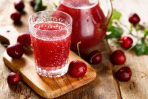 ТОП 8 рецептов, как сделать на зиму вишневый сок в домашних условиях