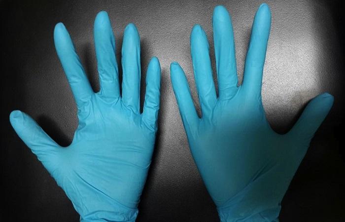одеть перчатки